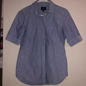 American Eagle Button Up